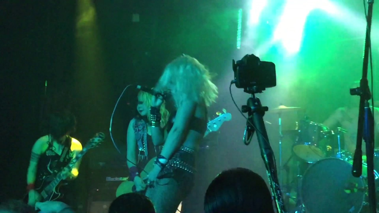 Barb Wire Dolls at Whisky a Go Go April 2017 - YouTube