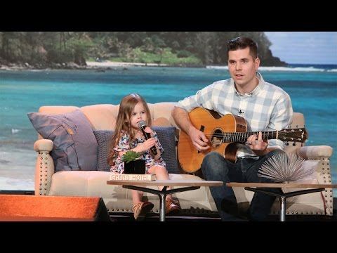Too-Cute Singing Father-Daughter Duo Performs 'How Far I'll