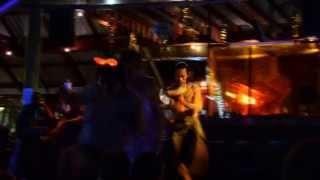 Представление на Новый год в Тайланде Файер шоу(Остров Самет, Бесплатное представление для туристов. Самая полная новогодняя программа. Множество трюков,..., 2015-04-29T08:49:40.000Z)