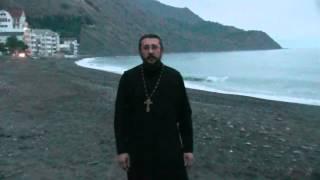 Грех ли участвовать в таинстве крещения в критические дни. Священник Игорь Сильченков.