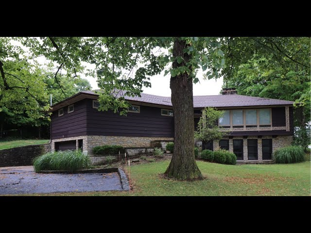 325 S Wolf Creek St Brookville, OH 45309 - Mid-Century Concept home!