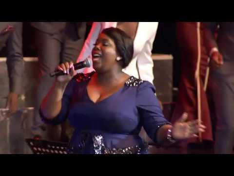 joyous-celebration-23-&-nomthi-sibisi---uyamangalisa