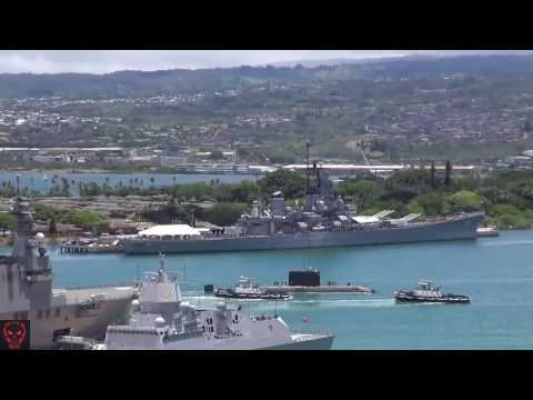 Military | Canadian Submarine Enters Pearl Harbor Naval Base
