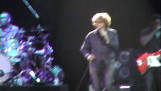 Out On The Range - Simply Red (Santiago Chile 29-04-2010)