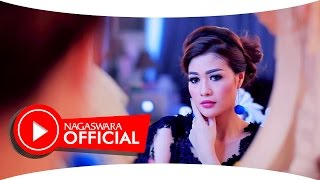 Hesty Klepek Klepek  - Curi Curi Curhat (Official Music Video NAGASWARA) #dangdut