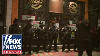 Staten Island bar owner vows to fight lockdown after being arrested