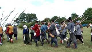 Sealed Knot Civil War re-enactment society visit Newark Queen