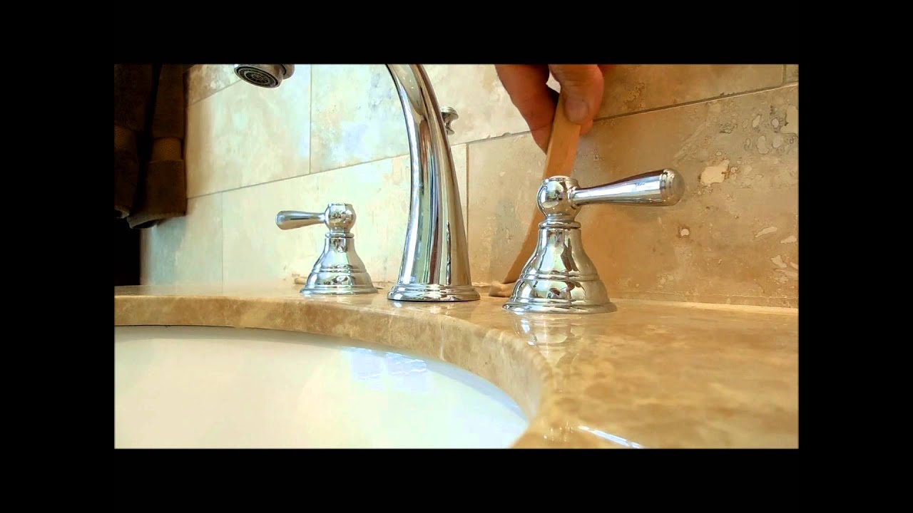 How To Fix , And Re  Caulk A Bathroom Counter Top(Come Sistemare Un Piano  Bagno)