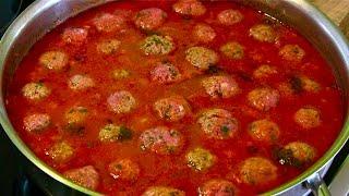 Fleischbällchen In Tomatensauce-polpette Al Sugo-meatballs In Tomato Sauce