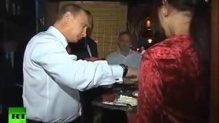 Владимир Путин прогулялся по Баку с президентом Азербайджана(Приколы и смешные видео. Подпишись на нашем канале - https://www.youtube.com/channel/UCP_rjJkv2pKnmqB0dVz2NHQ А также на нашем канале..., 2015-09-16T14:18:12.000Z)