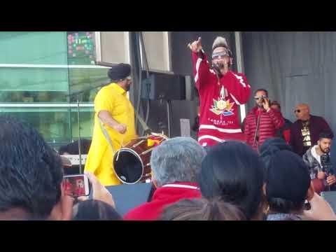 Jazzy B - Londono Patola Reloaded (Live Performance @ RedFM Surrey Diwali Dhamaka 2017)