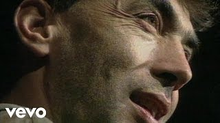 Hubert von Goisern und Die Alpinkatzen - Koa Hiatamadl (Video)