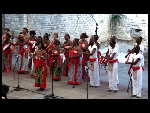 arr. Yveline Damas: Indjego - Le chant sur la Lowé-Gabon; Yveline Damas