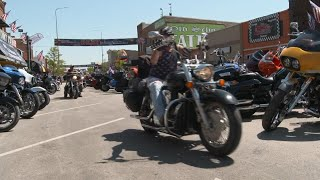 Massive biker rally in South Dakota continues during pandemic