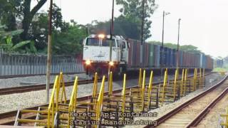 Download Video 10 Kereta Api Raja Super Ngebut Part 3 MP3 3GP MP4