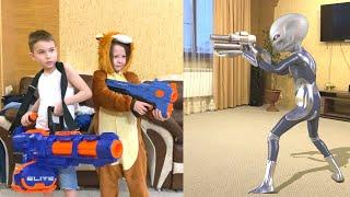 Nerf Game new alien invaded Bogdan's house Новый Пришелец вторгся в дом Богдана