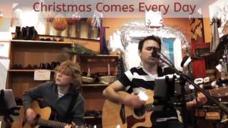 "Sevenview ""Christmas Comes Every Day"" Live"