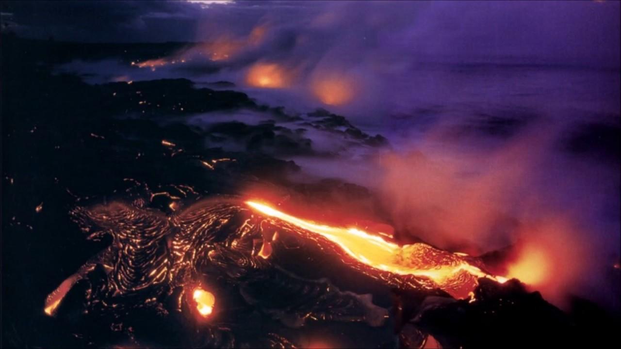 Dramatic images of erupting Kilauea volcano in Hawaii | EarthSky.org