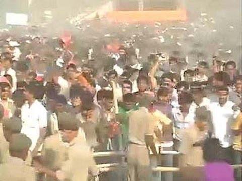 Chaos at Narendra Modi's Gaya rally in Bihar, police lathicharge crowd