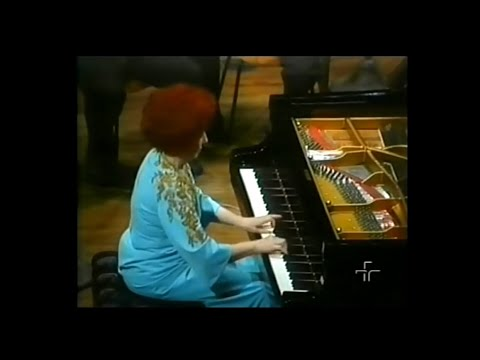 Magda Tagliaferro plays Chopin Piano Concerto No. 2