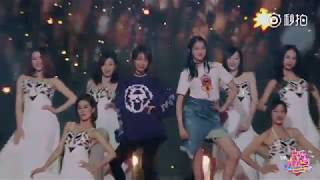 [VIETSUB] [Phụ Đề CC] Quan Hiểu Đồng Cùng Ngô Hân Nhảy Múa