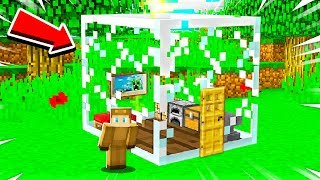 HOW TO BUILD A MINECRAFT HOUSE INSIDE A GLASS BLOCK!