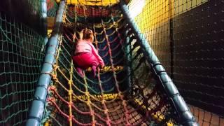 Indoor Playground Play Centre for kids.Tiger Cubz.Эльвира в детском  развлекательном центре .