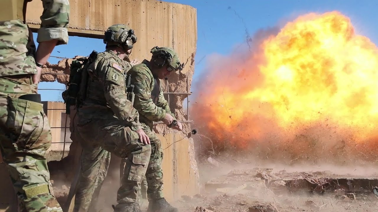 US – 5th Special Forces Group (Airborne) Green Berets conducting Room Clearing & Breaching Drills