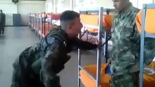 Asi te tratan en el Ejército Nacional