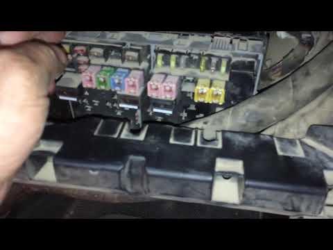 Форд Транзит 2.4d 2008г нет питания на диагностической колодке OBD2 сгорел предохранитель F72