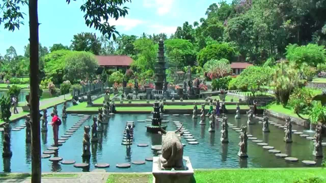 Tirta Gangga Royal Water Garden: Taman Tirtagangga Is A Former Royal Palace In Karangasem