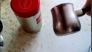 Как правильно сварить кофе в турке. Быстро и просто. Coffee Видео-рецепт(В этом видео, мы расскажем и покажем как варить кофе в турке чтобы он был по настоящему вкусный!? Подписывайт..., 2015-12-03T08:55:47.000Z)