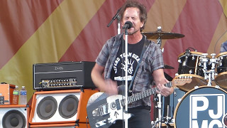 Watch Pearl Jam Setting Forth video