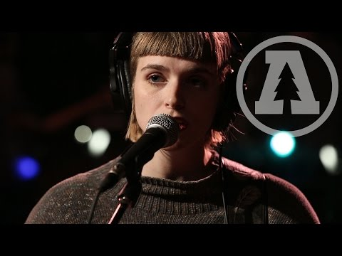 And The Kids - I Can't Tell What the Time is Telling Me - Audiotree Live (1 of 5)