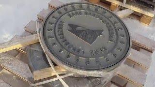 Чугунный люк с индивидуальным дизайном(Новый проект для банка Левобережный (г. Новосибирск) Дизайнерский чугунный люк, изготовленный по индивидуа..., 2016-02-20T07:27:36.000Z)