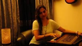 Video Preety Bhalla Singing Rajasthani Folk - KESARIYA download MP3, 3GP, MP4, WEBM, AVI, FLV Juni 2018