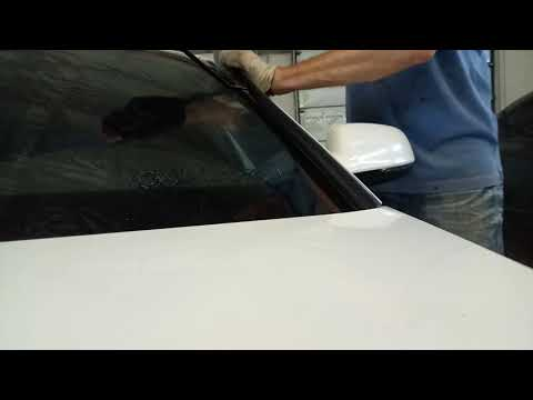 Как снять наружные накладки лобового стекла Audi A4, A5, wolksvagen B5 ..