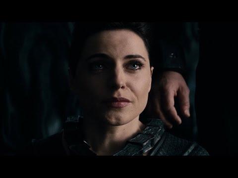 Kal-El on the ship Zod's | Man of Steel