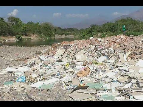 Inescrupulosos están matando al río Guatapurí con la basura que arrojan