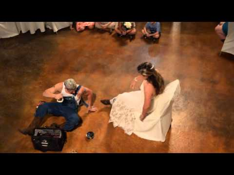 Country Wedding, Best garter removal ever!