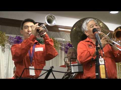 SAN FRANCISCO BAY BLUES played by High Sierra Jazz Band at 2017 Fresno Mardi Gras Festival