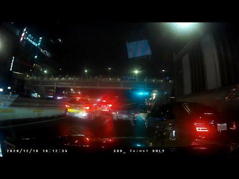 計程車TDR-0805號變換車道未依規定使用方向燈、逼車危險駕駛