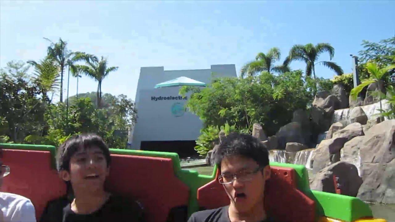 Universal Studios Singapore - Jurassic Park Rapids ...