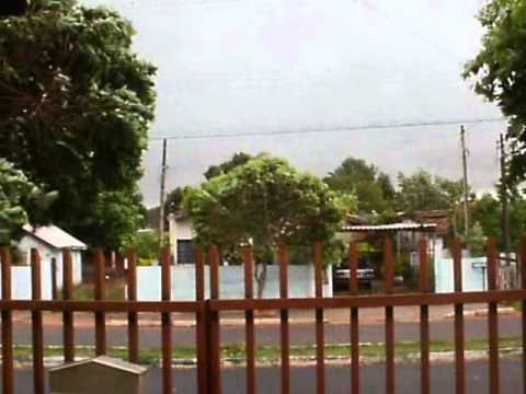 um-dia-de-tempestade.,,,rua-quatá-rancharia-sp.wmv