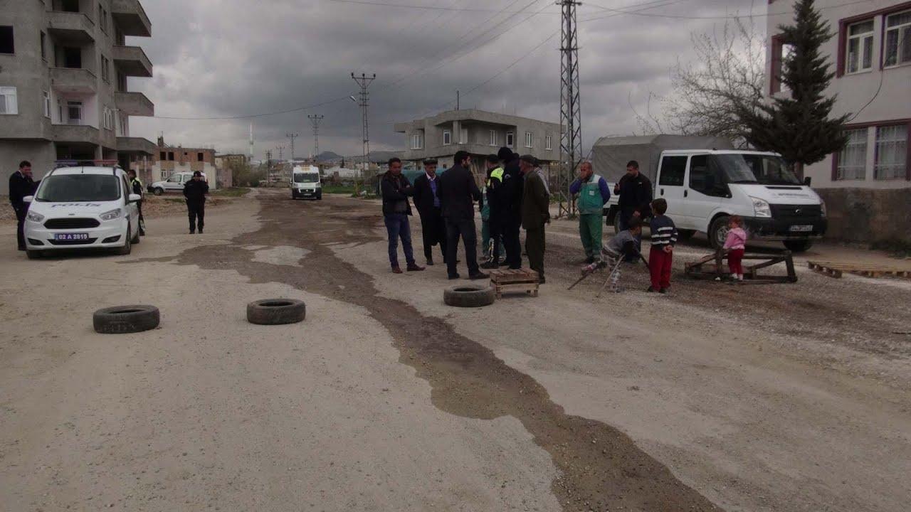 Yolları Bozuk Olan Mahallesi Protesto Etti