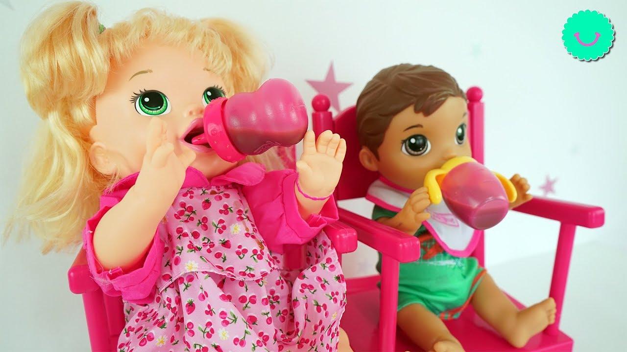 Preparo comida para los muñecos BABY ALIVE Sara y Luke