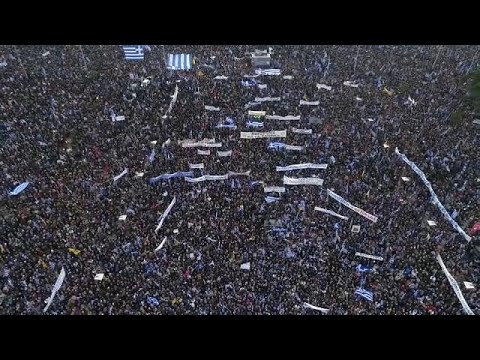 euronews (in Italiano): Grecia: megamanifestazione dei nazionalisti a Salonicco