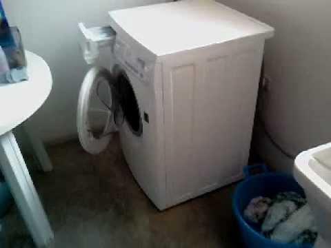 Manutenzione alla lavatrice e riparare una piccola pe for Manutenzione lavatrice