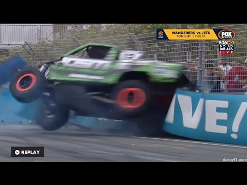 Richardson Hard Crash Race 3   Stadium SuperTrucks - Gold Coast 2016