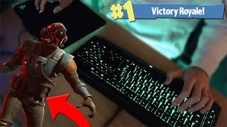 CRAZY SOLO WIN WITH THE NEW BLOCKBUSTER SKIN! + KEYBOARD CAM (Fortnite Battle Royale)